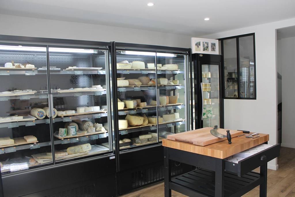 La Maison Marin, crèmerie et fromagerie dans le quartier de Mazargues à Marseille (Frigo)