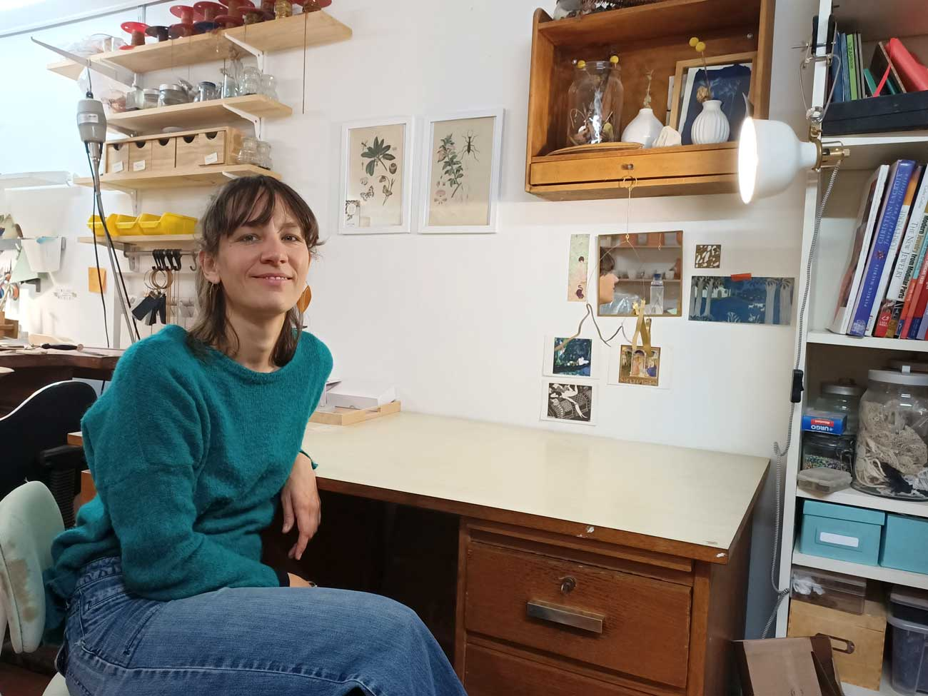 Sibylle Flouret, créatrice de bijoux à Marseille : finition du métal
