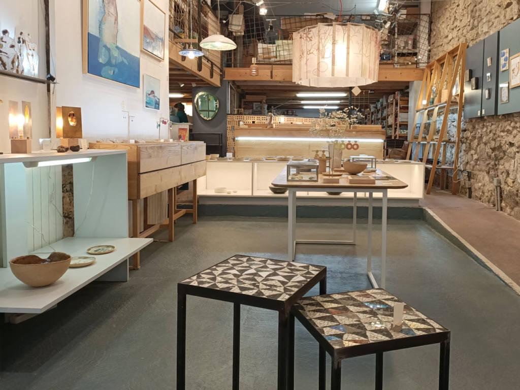 Atelier Céladon, artisanat à Marseille : vue d'ensemble de la boutique