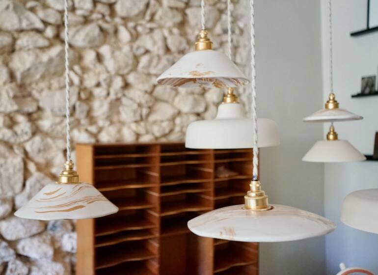 Enamoura, maisons d'hôtes en provence et collection d'objets de décoration artisanaux (Suspensions Franca)