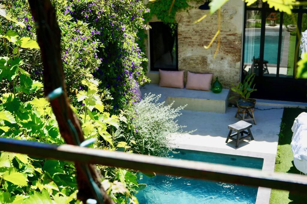 Enamoura, maisons d'hôtes en provence et collection d'objets de décoration artisanaux (Piscine-Marseille)
