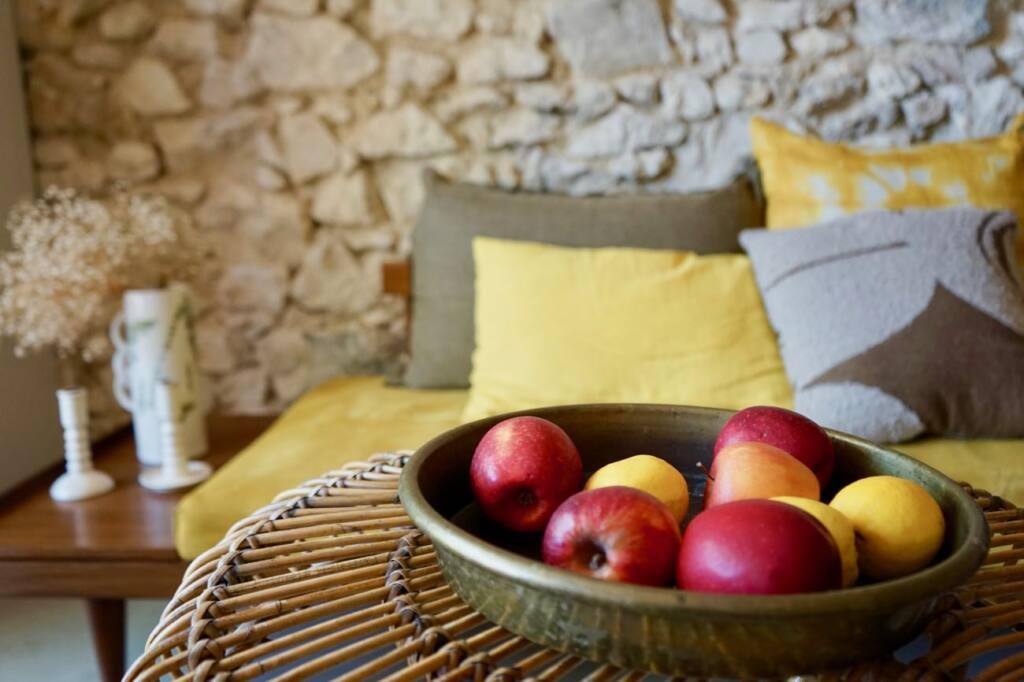 Enamoura, maisons d'hôtes en provence et collection d'objets de décoration artisanaux (salon)
