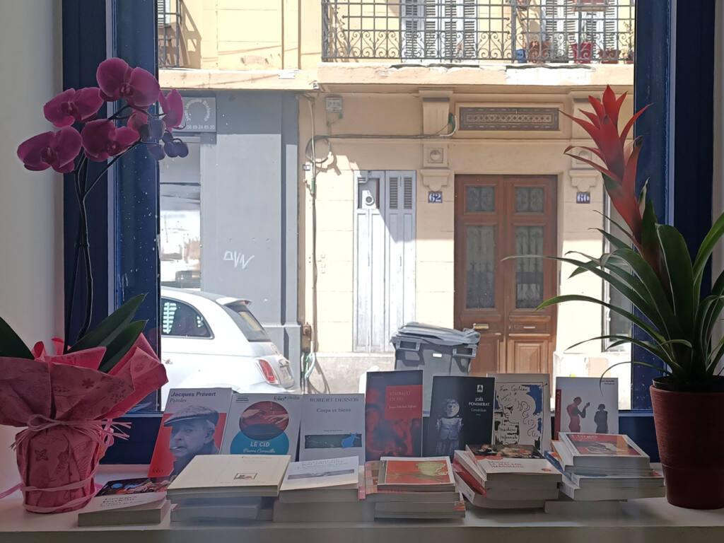 Librairie Vauban, bookshop in Marseille, City Guide Love Spots (flowers and books)