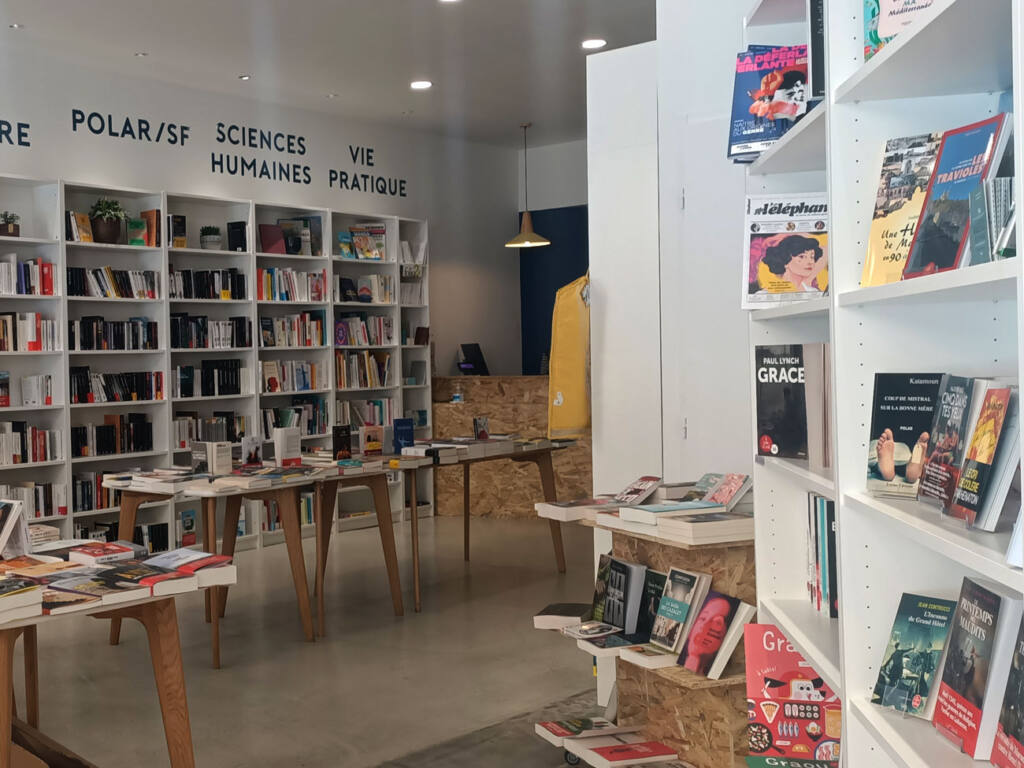Librairie Vauban, bookshop in Marseille, City Guide Love Spots (interior view)