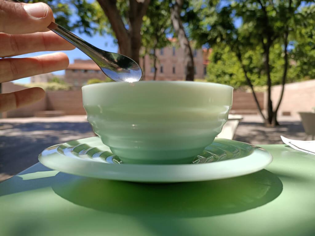 Placette, restaurant avec terrasse à Marseille : café en terrasse