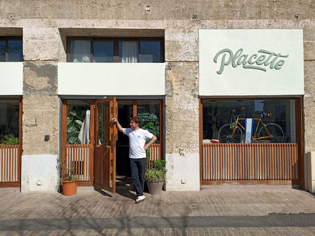Placette, restaurant with terrace in Marseille : front