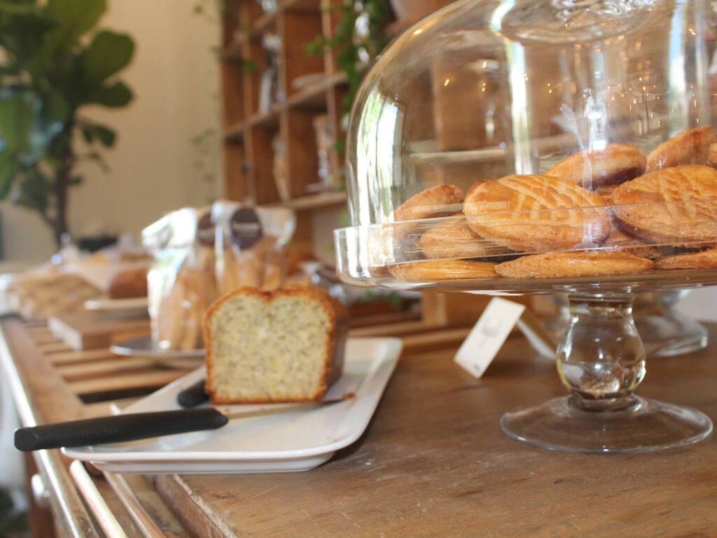 Suzanne, Pâtisserie Marseille, City Guide Love Spots (cake)