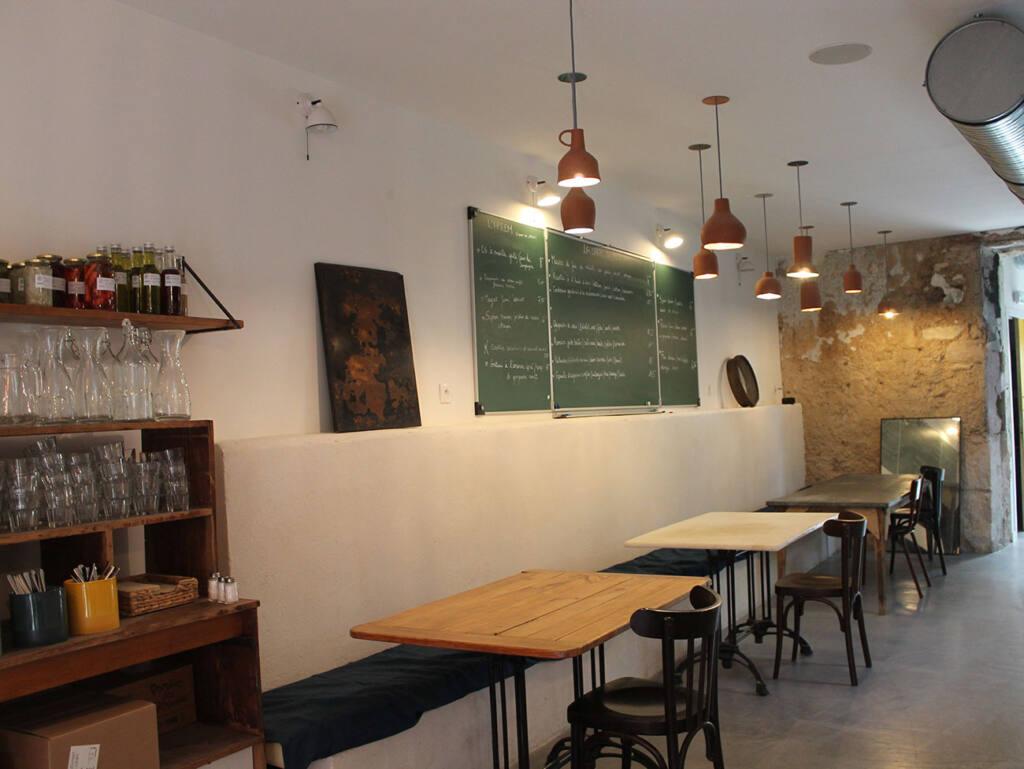 Caterine, Mediterranean restaurant in Marseille, city guide love spots (interior)