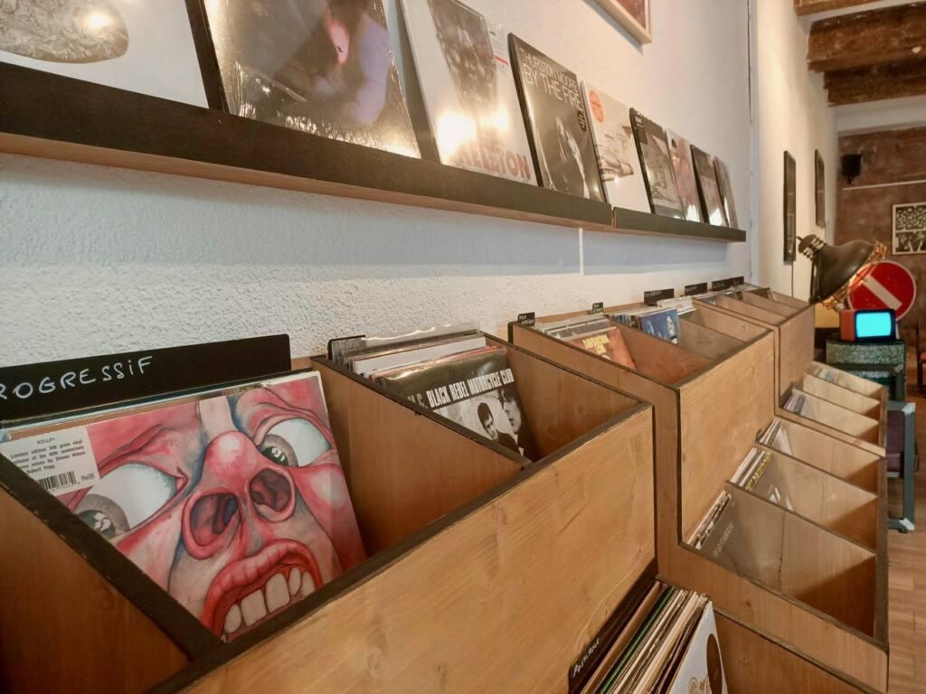 Le Fuzz, café et disquaire à Marseille : vinyles