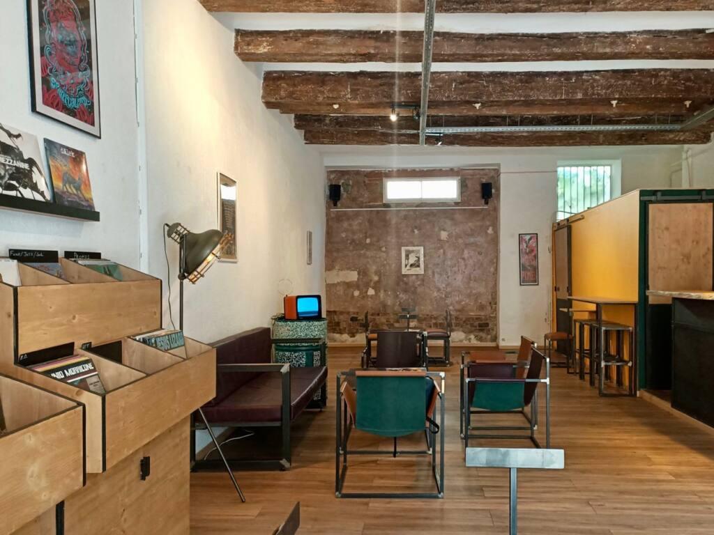 Le Fuzz, café et disquaire à Marseille : vue d'ensemble