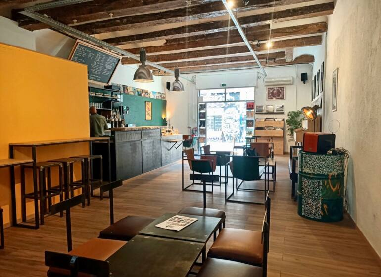 Le Fuzz, cafe and record shop in Marseille : overview