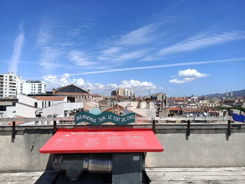 Coco Velten, cantine à Marseille : toit-terrasse et vue panoramique