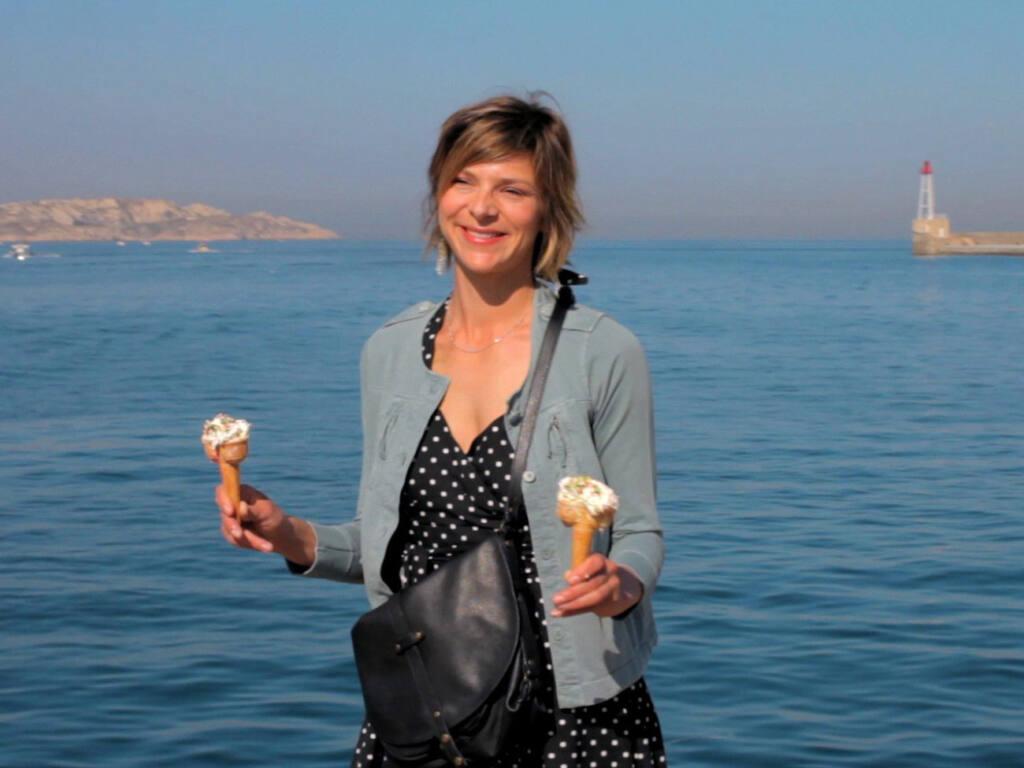 Sophie Cattani dans Chercher le garçon de Dorothée Sebbagh, réalisatrice à Marseille