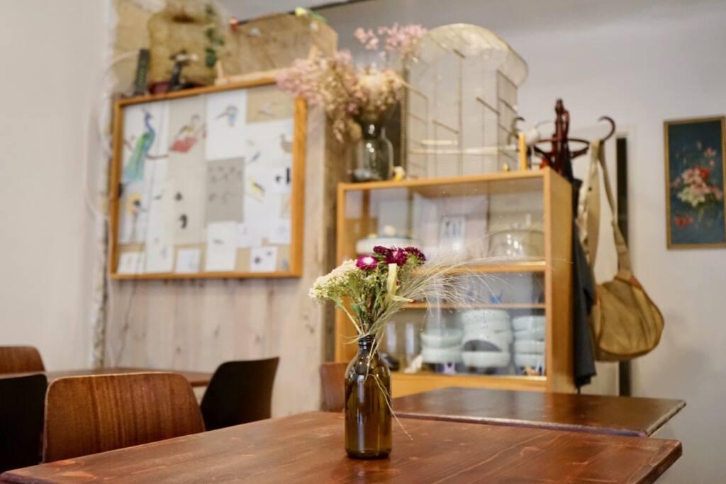 La Roquette, cafe-canteen, Marseille, city guide love spots (The deco)