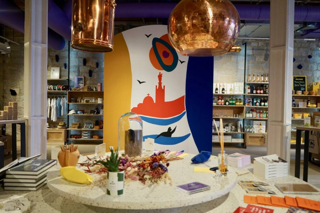 mx concept store, les docks, marseille, city guide love spots (display)